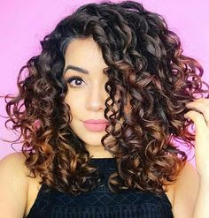 Short curly hair and beauty cu Curly Hair Tips, Short Curly Hair, Hair Dos, Curly Hair Styles, Natural Hair Styles, Layers For Curly Hair, Spiral Perm Short Hair, Medium Curly Haircuts, Short Curls