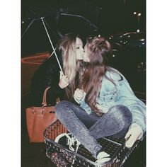 Lesbian Couples ❤ liked on Polyvore featuring backgrounds, couple, lesbian and pictures
