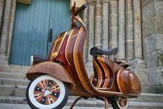 映画「ローマの休日」で、オードリー・ヘップバーンが演じるアン王女がローマ市内を見物するシーンで乗ったことでも有名なイタリア製のス...
