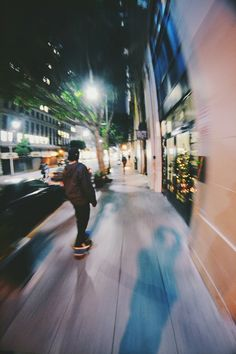 Fun and fast times /Asiaskate/ Teenager Photography, Photography 101, Late Night Drives, Skate Photos, Night Vibes, Vintage Hipster, Night Driving, Skate Surf, Night Aesthetic