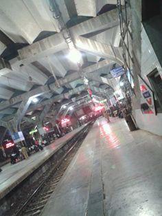Nerul Railway Station in Navi Mumbai, Mahārāshtra