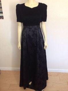 Vintage Southeastern black Long Velvet W/ Floral Print Dress 4 holiday