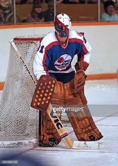 ed-staniowski-of-the-winnipeg-jets-prepares-for-a-shot-against-the-picture-id462469108 (434×612) Ice Hockey Teams, Hockey Goalie, Hockey Games, Hockey Players, Hockey Stuff, Goalie Mask, Stylish Mens Outfits, Nfl Fans, Nhl