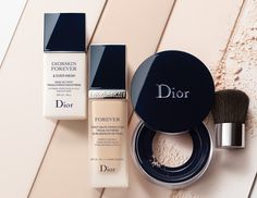 La gamme de maquillage /Diorskin Forever/ se réinv