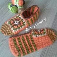 Crochet Gloves, Crochet Slippers, Knitting Stitches, Baby Knitting, Blanket Stich, Crochet Designs, Crochet Patterns, Knit Baby Shoes, Bed Socks
