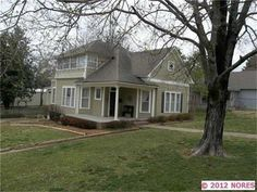 (503 W Shawnee St, Tahlequah, OK 74464) Nice house, nice house size, nice features/details, but only 1/4 acre, so: No Go.