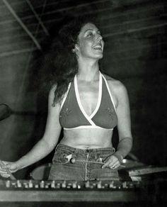 Beautiful and great! Frank Vincent, Women Of Rock, Frank Zappa, Progressive Rock, Music Photo, Mick Jagger, Jim Morrison, Jimi Hendrix, Music Artists