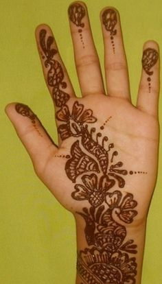 Simple & Easy Mehndi Design (43) - i prefer this on the BACK of the hand, not the inside.