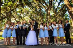 Cute wedding photo idea!