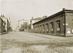 Aleksanterinkadun alkupäätä Kanavatorilta. Signe Brander 1911.