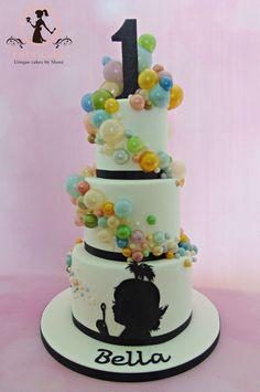 Bubble Cake Silhouette cake with gelatine bubbles Bubble Birthday, Birthday Cake Girls, Third Birthday, 50th Birthday, Birthday Cakes, Fondant Cake Designs, Fondant Cakes, Bubble Cake, Bubble Party