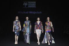 Królową 7. edycji Fashion Designer Awards została Aleksandra Jendryka       Zobacz cały artykuł na naszej stronie: http://fashionmedia.pl/2015/05/13/krolowa-7-edycji-fashion-designer-awards-zostala-aleksandra-jendryka/  Kategorie: #Wydarzenia Tagi: #7EdycjaFashionDesignerAwards, #AgnieszkaMaciejak, #AleksandraJendryka, #AndrzejFoder, #DuetBizuu, #JoannaHorodyńska, #JoannaKlimas, #LidiaKalita, #SerafinAndrzejak
