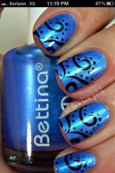 Swirl design nails
