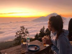 Mount Batur sunrise trek is an incredible experience. If breathtaking views and an endorphin high is up your alley, then read this post first. Rice Terraces, Active Volcano, How To Stay Awake, Adventure Tours, Bali Travel, Best Couple, Tour Guide, Places To See, Trek