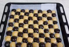 a-tesztabol-golyokat-formalt-majd-tepsibe-tette-elkepesztoen-finom-sutemeny-lett-belole00001 Cake Recipes, Dessert Recipes, Hungarian Recipes, Creative Cakes, Griddle Pan, No Bake Cake, Panna Cotta, Deserts, Muffin