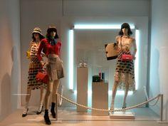 Chanel: Art lover ladies