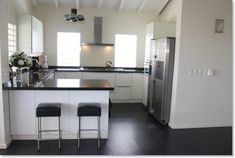 22. IN keuken Home Projects, Home Kitchens, Kitchen Design, New Homes, Layout, Interior, Table, Kitchen Inspiration, Furniture