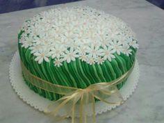 Campo di margherite #torta #cake #cakedesign #cakedesigner #sugarpaste #pastadizucchero #margherita #daisy #happybirthday #buoncompleanno