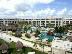 Paradisus Esmeralda Paradisus Playa Del Carmen, Vacation Ideas, Mansions, House Styles, Mansion Houses, Travel Ideas, Mansion, Palaces, Villas
