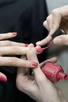 Chanel nail polish N° 589 Elixir, available in selected stores: fall 2013