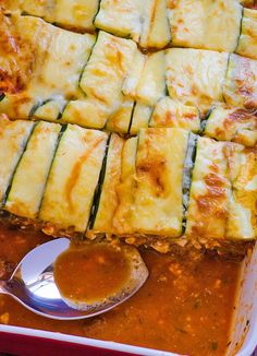 Clean Eating Zucchini Lasagna -- Your favourite comfort food healthy way with only 7 ingredients.