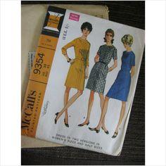 """1960's McCalls pattern 9354 ladies dress size 38 Bust 42""""  uncut purplestevie ebid"""