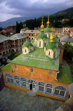 Monastery of Panteleimon, Mount Athos, Macedonia, Greece Mykonos, Beautiful Buildings, Beautiful Places, Architecture Religieuse, Places In Greece, Beau Site, Cathedral Church, Le Palais, Thessaloniki
