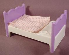 Fisher Price Dream Dollhouse 1995 Purple & White Single Bed Attached Cloth Blanket