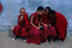Steve McCurry, Young Monks, Ed. 3/15 fuji crystal photograph - TIBET