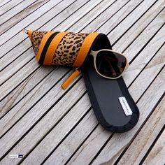 Need a distraction from this winter-in-April-weather 😬😕❄️🌨☃️😉? Well, then have a look at this flamboyant and stylish mango leo spiral sunglasses case! At http://www.wagnerstrasse.de #leopard #mango #leo #sunglasses #sunglassescase