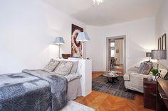 bedroom/sitting area, separation. Etxekodeco: En Estocolmo: ¿De verdad que son solo 49m2?