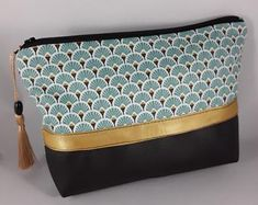 Christmas Gift Ideas 2019 : pouch / makeup bag / bag accessory / woman's gift / emerald green coated cotton / petrol blue and navy / anise / emerald green imitation leather Brands Like Glossier, Asian Quilts, Fabric Bags, Clutch, Leather Pouch, Gifts For Women, Purses And Bags, Zip Around Wallet, Women Accessories