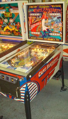 Fantastic pinball machine made by Bally in 1976 Vintage Ads, Vintage Antiques, Video Game Machines, Arcade Room, Pinball Wizard, Captain Fantastic, Penny Arcade, Fire Emblem Awakening, Power Rangers