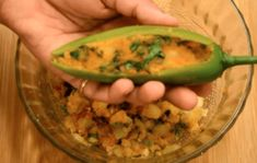 Quick and Easy Matar Paneer Recipe In Hindi, Paneer Recipes, Food Recipes In Hindi, Indian Food Recipes, Butterscotch Ice Cream, How To Make Eggs, Honey Cake, Zucchini, Easy Meals