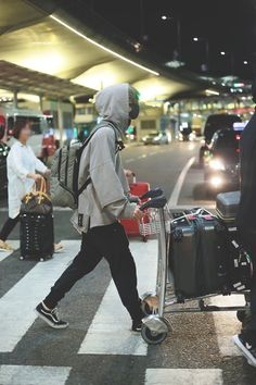 Back to Korea Park Jae Hyung, Jae Day6, Kim Wonpil, Korean Artist, Boyfriend Material, Jaehyun, Rapper, Kpop, Fangirl