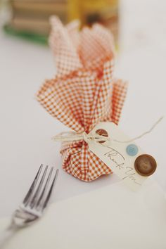 BBQ Wedding Favours -- fill tied bits of gingham cloth with candy or BBQ spice rub.