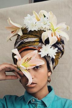 Yagazie Emezi Nadine Ijewere is a photographer out of London with an amazing talent for portraiture and fashion photography. She creates beautiful environments for her work using from floral and cultural influences. Turbans, Headscarves, Collage Kunst, Image Mode, Creation Photo, Pics Art, Black Is Beautiful, Beautiful Series, Beautiful Flowers