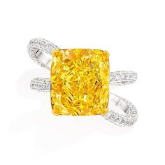 Anna Hu modern vivid yellow diamond ring.