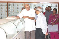 Padmashree Darshan Shankar explains to Kris Gopalakrishnan, at TDU Campus, Bangalore.