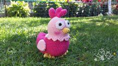 Patrón gratuito para elaborar esta gallina amigurumi.