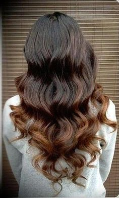 Or, theres the reverse red-head. Brown usually has hints of auburn in it, so play them up with beautiful reddish-brown ends.
