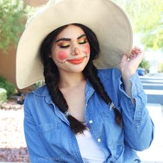 This scarecrow DIY Halloween costume and makeup look is incredibly easy to do at home with things you already own. See how to get the look! #Halloween #Beauty #Makeup #HalloweenMakeup
