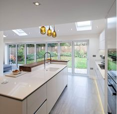 Awesome modern kitchen room are readily available on our internet site. Kitchen Inspiration Design, Farmhouse Style Kitchen, Kitchen Style, Open Plan Kitchen Diner, Open Plan Kitchen, Open Plan Kitchen Living Room, Kitchen Design, Kitchen Diner Extension, Kitchen Layout
