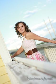 sandpoint_Idaho_Senior portrait_girl pose_ North Idaho_ Photographer