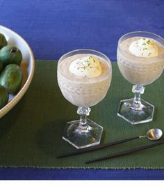 Feijoa Mousse Fruit Recipes, Cooking Recipes, Cooking Ideas, Home Baking, Fresh Fruit, Fruit Juice, Lime Juice, Traditional House, Mousse