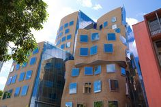 EVERYONE THINKS FRANK GEHRY'S NEW BUILDING IN AUSTRALIA LOOKS LIKE A PAPER BAG