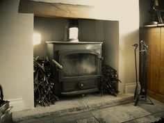 LOG BURNER Alcove Cupboards, Log Burner, Fire Places, Cottage Interiors, Cool Rooms, Bars For Home, New Kitchen, New Homes, House Ideas
