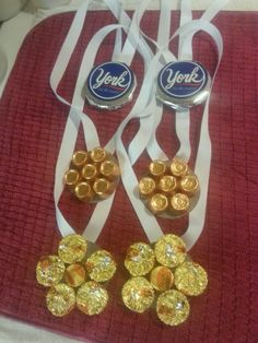 Olympic medal idea for those with a sweet tooth <3 #candy #olympic #medals