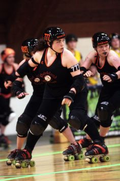 Roller derby Feature: Building strength & confidence as a team | Personal Transformation | TransformingHealth.org