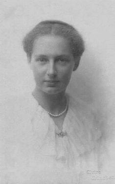 Marie Christine de Bourbon-Deux-Siciles (1899-1985) fille du prince Alfonso de Bourbon des Deux-Siciles, comte de Caserte (1841-1934) et de la princesse Antonietta de Bourbon des Deux-Siciles